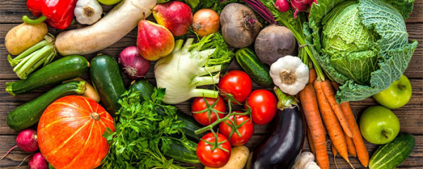 What are the roles of antioxidants in liver health?